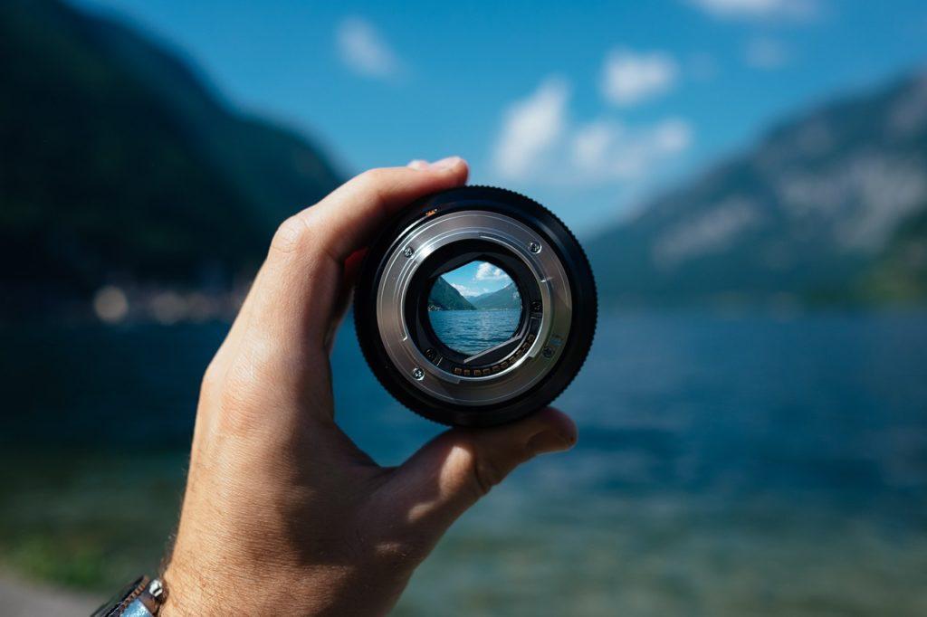 Co oznacza jasność obiektywu?