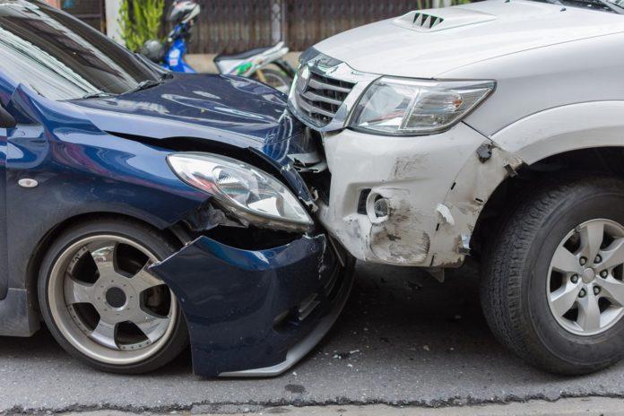 Jak zachować się po stłuczce? Kilka porad dla początkującego kierowcy